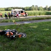 Bei einem Unfall am Samstag bei Langenau ist ein Motorradfahrer ums Leben gekommen.