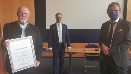 Kreisarchäologe Richard Ambs, Thorsten Freudenberger und Michael Mackensen (von links).