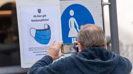 Solche Hinweise wie in Berchtesgaden soll es auch im Kreis Neu-Ulm geben. Das Landratsamt erarbeitet eine Liste mit Straßen und Plätzen.
