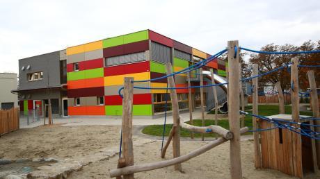 Das neue Kinderhaus Lebenswert im Wiley ist außen kunterbunt.