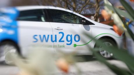 Drei Elektroautos stehen nun als Angebot der Stadtwerke Ulm/Neu-Ulm zum Verleih in Elchingen.
