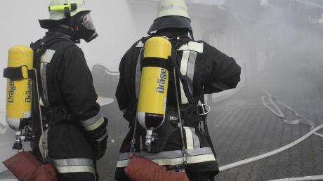 Auch die Holzheimer Feuerwehr (hier bei einer Übung) soll künftig mittels Digitalfunk alarmiert werden.