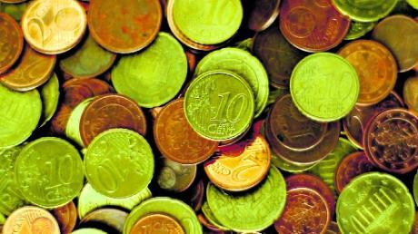 Es dürften eher Scheine als Münzen sein: Die Gemeinde Elchingen verteilt 18950 Euro an Vereine.