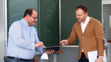 Wollen die Digitalisierung an der Schule in Pfaffenhofen vorantreiben: Der neue Schulleiter Jörg Mayer (links) und sein Stellvertreter Sergej Bechthold.