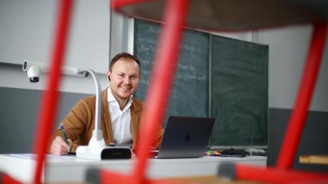 Sergej Bechthold unterrichtet Mathe, Deutsch und Sport an der Hermann-Köhl-Schule in Pfaffenhofen. Seit einigen Wochen gibt er Online-Unterricht und zieht ein sehr positives Fazit.