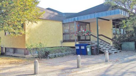 Der alte Kindergarten in Ehekirchen, das künftige Gemeindehaus, sorgte für einen Schlagabtausch Gemeinderat. Mittlerweile kostet der Umbau 33000 Euro mehr als ursprünglich geplant.