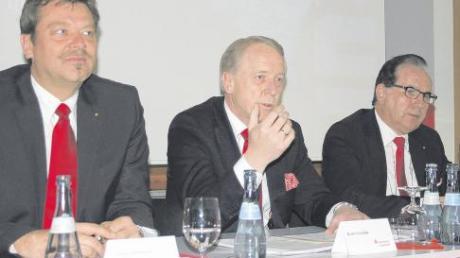 Präsentierten gestern Rekordzahlen für die Sparkasse Ingolstadt: Die Vorstandsmitglieder Jürgen Wittmann, Dieter Seehofer (Vorsitzender) und Anton Hirschberger (von links).