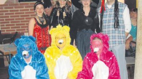 Sie hatten die schönsten Kostüme: (hinten v. l.) Franziska Strixner, Kathrin Behr, Regina und Stefan Schlapschy sowie (vorne v. l.) Simon, Marianne und Katharina Gramlich.