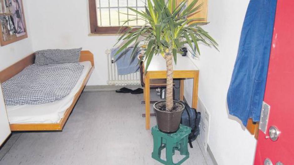 Besuch Bett Schrank Schreibtisch Toilette Nachrichten Neuburg