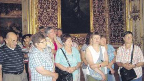 Die NR-Zusteller waren von den reichen Zimmern der Münchner Residenz sichtlich beeindruckt.