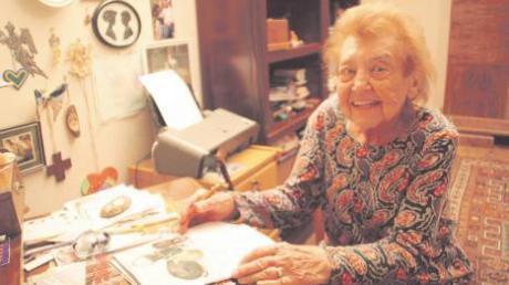 Pauline Abt an ihrem 90. Geburtstag. Die Ärztin praktiziert längst nicht mehr, ist aber in Burgheim bekannt und gefragt – unter anderem in Sachen Naturschutz.