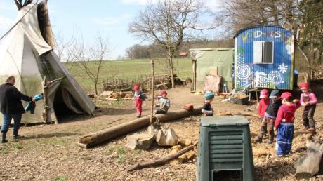 Der Waldgruppe der Kindertagesstätte Bergheim stehen momentan nur ein Bauwagen und ein Zelt als Unterschlupf zur Verfügung.