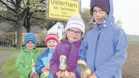 In Osterham wohnt der Osterhase wohl nicht: Luis, Sophie, Magdalena und Emma haben aber schon einmal mit Schokohasen für Sonntag vorgesorgt.