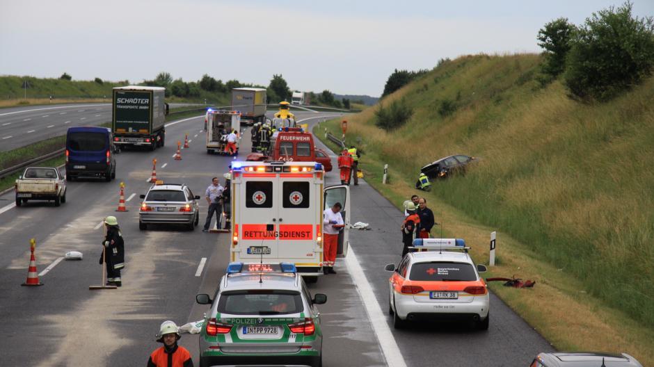 Schwerer Unfall Bei Stammham Vollsperrung Der A9 Nachrichten