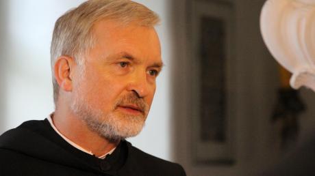 Bischof Gregor Maria Hanke verteidigt die umstrittene Diakonenweihe.