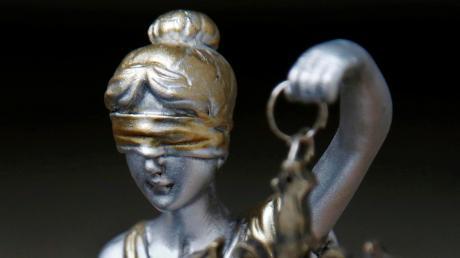 Der Drahtzieher der Betrüger war einschlägig vorbestraft.