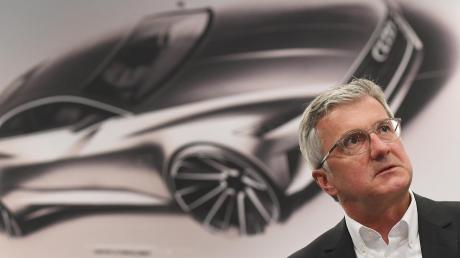 Rupert Stadler bleibt weiterhin in Untersuchungshaft. Bei Audi wird nun entschieden, wie seine Zukunft im Unternehmen aussieht.