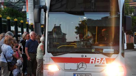 Wer mit dem öffentlichen Nahverkehr unterwegs ist und umsteigen muss, braucht ab 1. September nur noch ein Ticket.