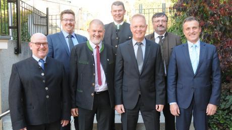 Sieben Bürgermeister und ein gemeinsames Ziel: (von links) Bürgermeister Wigbert Kramer (Rohrenfels), Tobias Gensberger (Bergheim), Robert Husterer (Wellheim), Günter Gamisch (Ehekirchen). 1. Michael Böhm (Burgheim), Fridolin Gößl (Oberhausen) und Georg Hirschbeck (Rennertshofen).