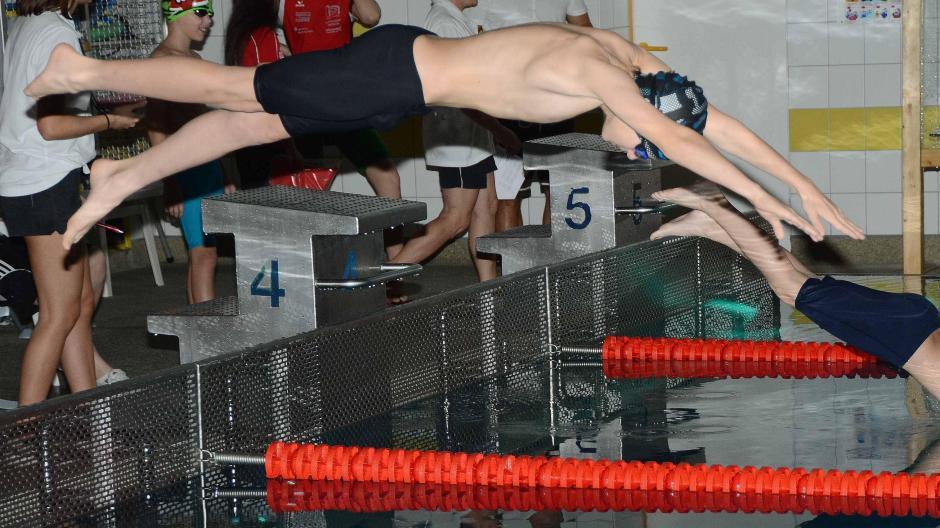 Schwimmen in Neuburg: Adventsschwimmen 2018: Neuburger schwimmen ...