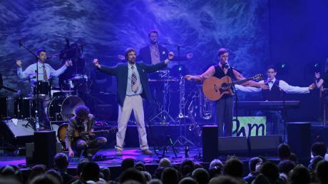 Andreas Eckert (Zweiter von rechts) und seine Bandkollegen bei einem Konzert 2017.