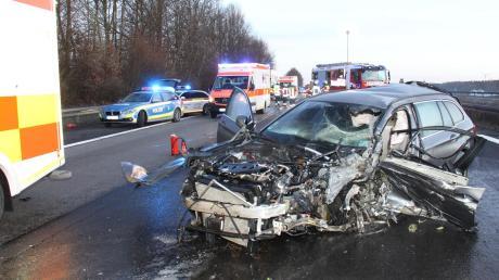 Tödlicher Unfall: Ein 82-jähriger Geisterfahrer krachte auf der A9 bei Denkendorf in ein entgegenkommendes Auto.