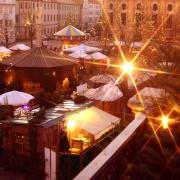Christkindlmarkt_auf_dem_Karlsplatz%2c_2.jpg