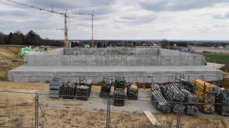 Der Finanzbedarf des Landkreises ist angesichts großer Investitionen wie den Neubau der Paul-Winter-Realschule in den nächsten Jahren groß.