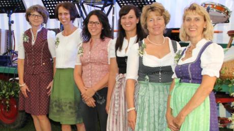 Fest in Damen-Hand: Sie führen den Verein: (v. l.) Marlene Müller, Margit Kammerer, Gabi Wegrath, Anita Schaller, Christine Bichlmaier und Gabi Grießer (1. Vorsitzende).