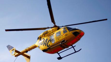 Auf der B300 ist es bei Geisenfeld zu einem schweren Verkehrsunfall gekommen. Drei Personen wurden verletzt.