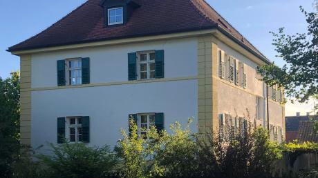 Das evangelische Pfarrhaus ist eines der ältesten Gebäude in Karlshuld. Eine Initiative setzt sich jetzt für dessen Erhalt ein.