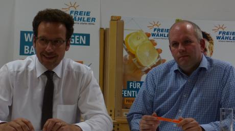 Zwei führende Köpfe der Freien Wähler: Kreisverbandsvorsitzender und Landrat Peter von der Grün (links) und Florian Herold, designierter Oberbürgermeister-Kandidat für die Stadt Neuburg.