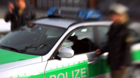 Zwischen Asylbewerbern kam es bei einem Fußballspiel in Waltenhausen zu einer Keilerei: Dies bestätigte jetzt die Polizei auf Anfrage unserer Redaktion (Symbolbild).