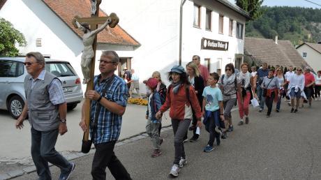 Sie waren bis zu ihrem Ziel eine gute Stunde unterwegs: die Fußpilger aus Bertoldsheim.