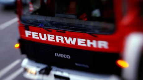 Ein Wohnhaus in Langenau hat am Montag gebrannt, zwei Menschen wurden schwer verletzt.