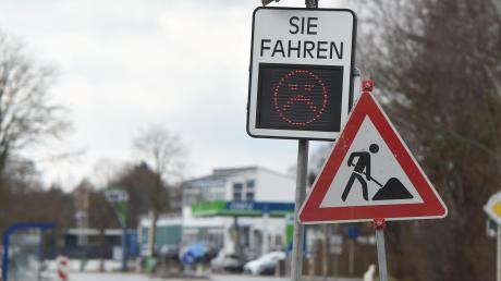 Eine solche mobile Geschwindigkeits-Messtafel soll auch schon bald im Gemeindegebiet von Königsmoos stehen.