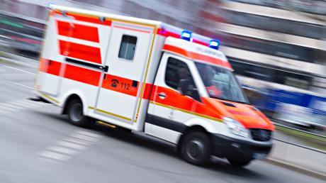 Ein 19-Jähriger hatte sich beim Roten Kreuz in Ingolstadt als Notfallsanitäter ausgegeben. Jetzt stand der junge Mann vor Gericht.
