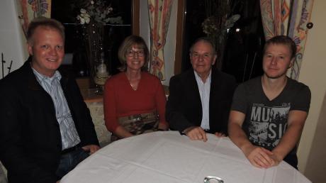 Sie führen auch weiterhin den Heimatgeschichtlichen Verein Burgheim: Michael Böhm, Doris Zitzmann, Günther Lanz und Oliver Roßmann (von links) wurden einstimmig wiedergewählt.