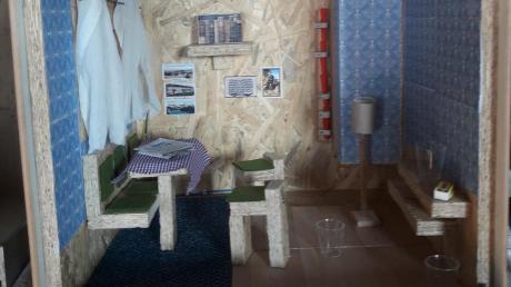 50 Zentimeter lang, hoch und breit ist das Zimmer, das Markus Geis für seinen Versuch zusammengezimmert hat.