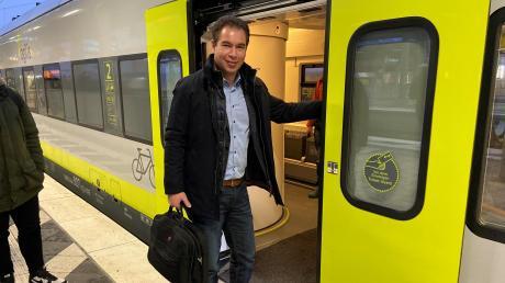 Auch Bahnfahrer Matthias Enghuber freut sich über die verbesserten Fahrzeiten bei Agilis.