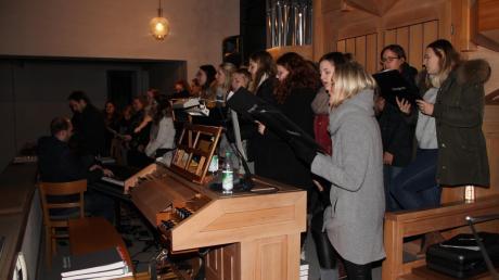 Der Chor Klangecht sang in der katholischen Kirche St. Joseph.