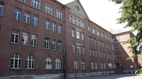 Hier ist die Gemeinschaftsunterkunft noch bis Ende 2020 beheimatet: in der ehemaligen Lassigny-Kaserne am Donauwörther Berg. Später soll hier ein Campus der Technischen Hochschule Ingolstadt entstehen.