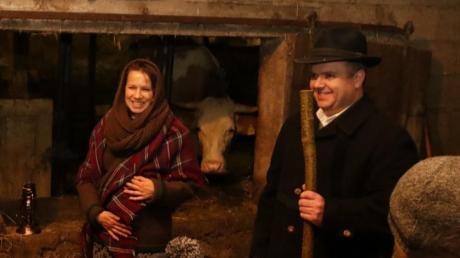 Maria und Josef treffen im Stall des Faller-Anwesens ein.