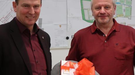 Günter Gamisch (links) verabschiedet sich von Franz Habersetzer.