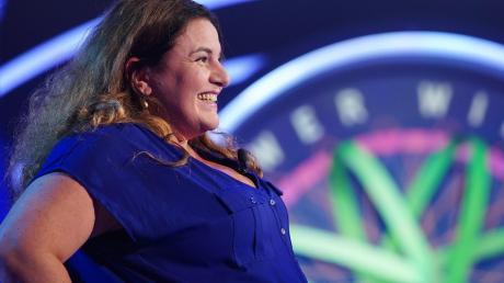 """Freute sich sichtlich über ihren Gewinn: Diana Strassburg war am Montagabend Kandidatin in der RTL-Sendung """"Wer wird Millionär?"""". Damit war sie innerhalb von vier Monaten die zweite Kandidatin aus Neuburg, die es auf den Stuhl zu Günther Jauch geschafft hat."""