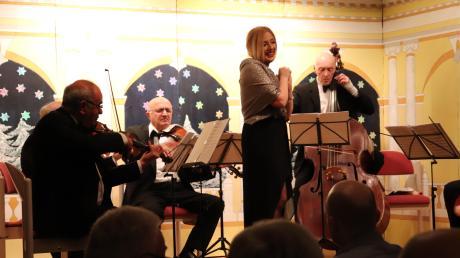 Die georgische Sopranistin Ketevan Istuskiridse alias Keta Nino bestach beim Neujahrskonzert in Burgheim mit einer schön timbrierten und wandlungsfähigen Stimme.