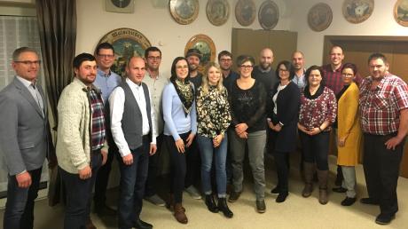 Die Kandidaten der Bürgergemeinschaft Königsmoos um den 1. Vorsitzender Gerhard Edler (links).