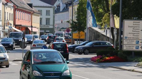 Für viele ein leidiger Verkehrsknotenpunkt: die Luitpoldstraße in der Neuburger Innenstadt.