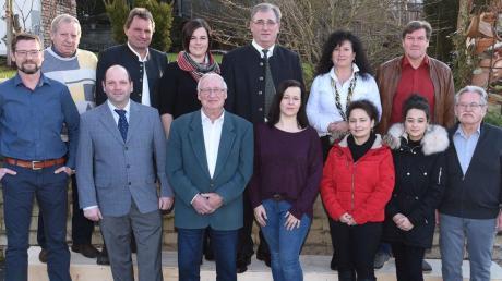 Zwischen 18 und 73 Jahre sind die Gemeinderats-Kandidaten der Burgheimer SPD alt.
