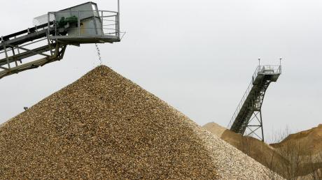 Kies und Sand sollen in einem Waldstück bei Emersacker abgebaut werden.